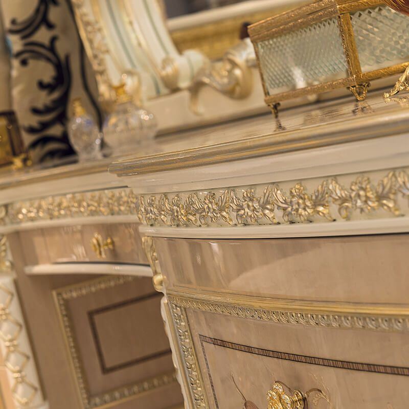 grand royal detail